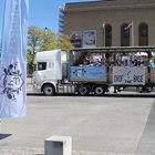 Lastbils flak på Götaplatsen i Göteborg-